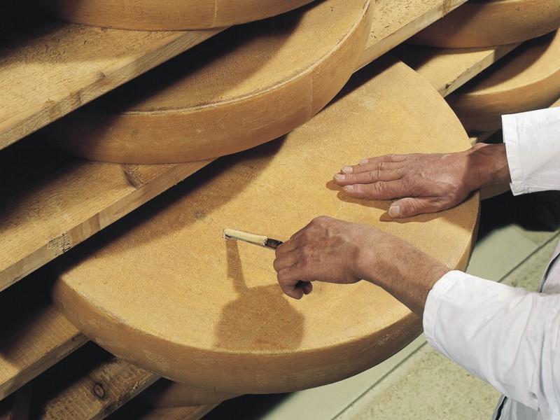 Grossiste fromages à Rungis - Fromages espagnols, italiens et corses au Min de Rungis
